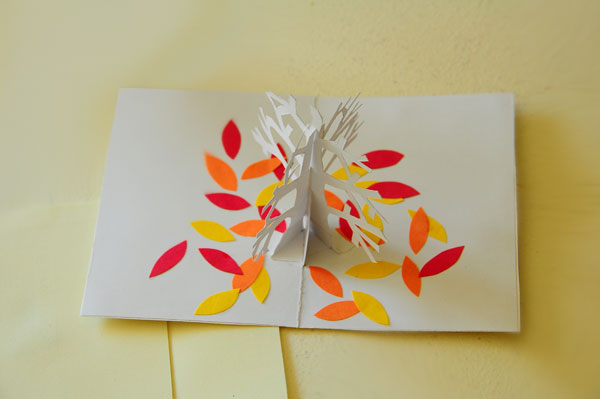 Tree pop-up card cover opening 45˚ angle